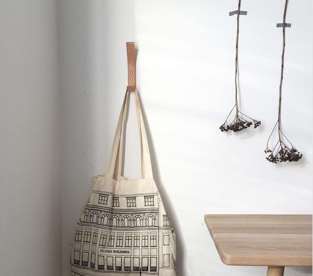 leather hook, entry, entrance, hall, hooks, leather, exclusive hooks, interior, scandinavien design