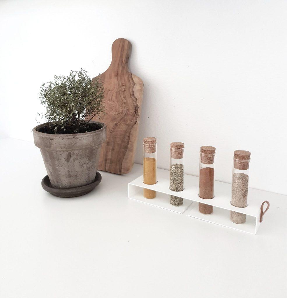 krydderihylde, krydderiopbevaring, krydderier, køkken, Nordic Function