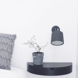 Nordic Function Hide Away shelf i sort eg brugt i soveværelset shelf with storage for your bedroom in black oak